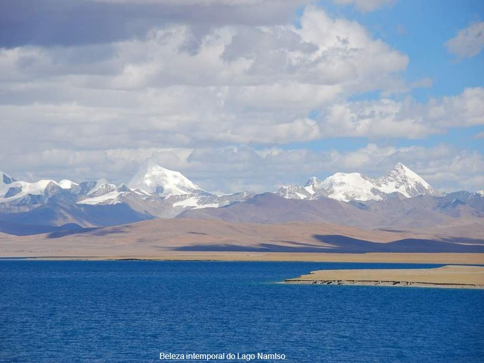 Beleza intemporal do Lago Namtso