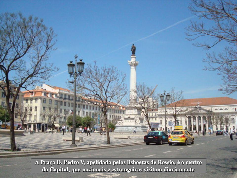 A Praça D. Pedro V, apelidada pelos lisboetas de Rossio, é o centro