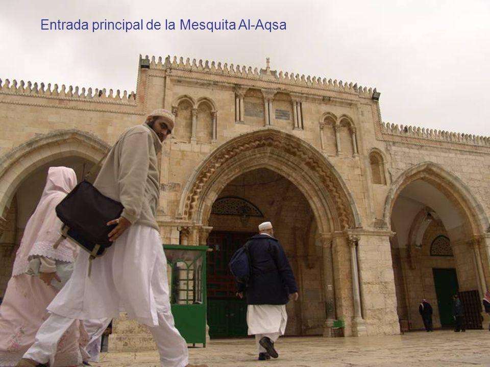 Entrada principal de la Mesquita Al-Aqsa