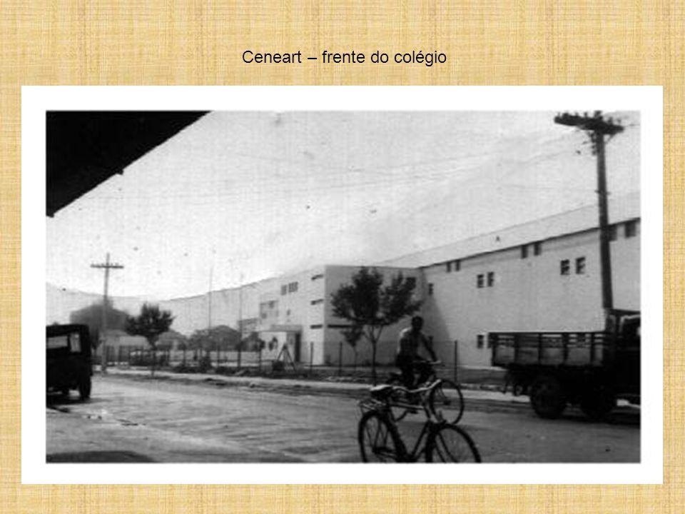 Ceneart – frente do colégio