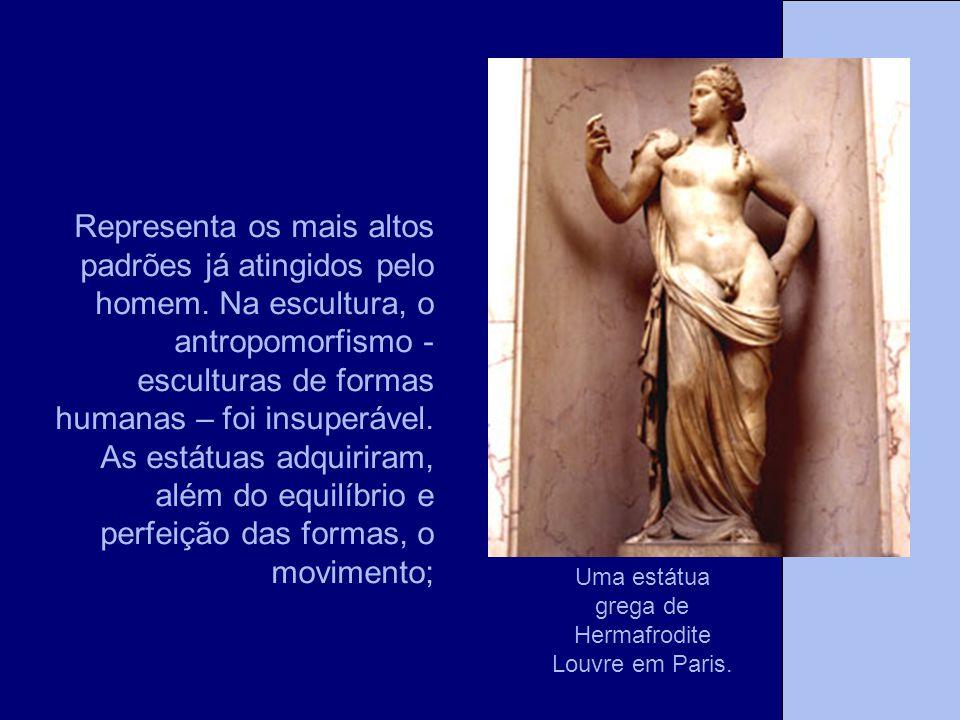 Uma estátua grega de Hermafrodite Louvre em Paris.