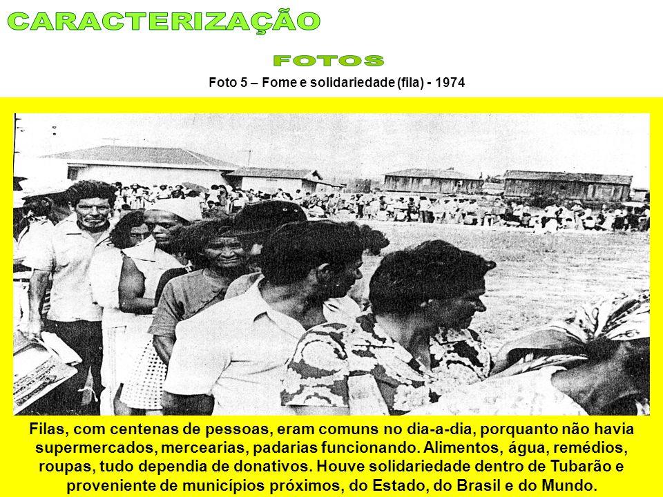 Foto 5 – Fome e solidariedade (fila) - 1974