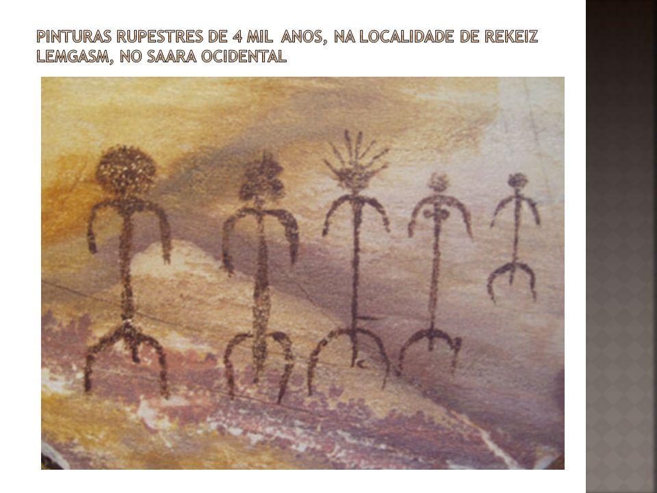 pinturas rupestres de 4 mil anos, na localidade de Rekeiz Lemgasm, no Saara Ocidental