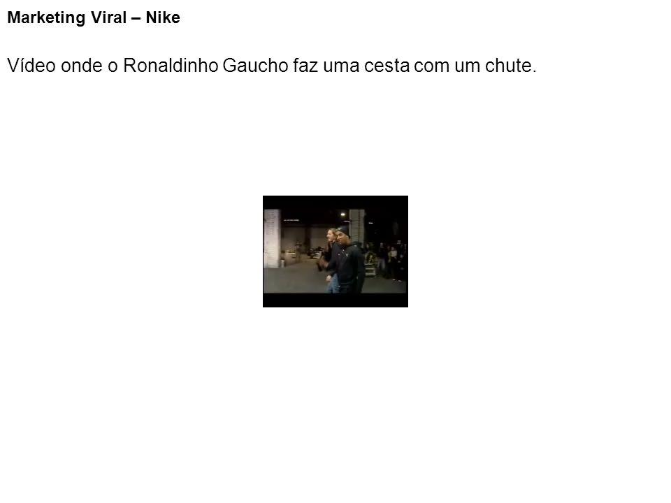 Vídeo onde o Ronaldinho Gaucho faz uma cesta com um chute.