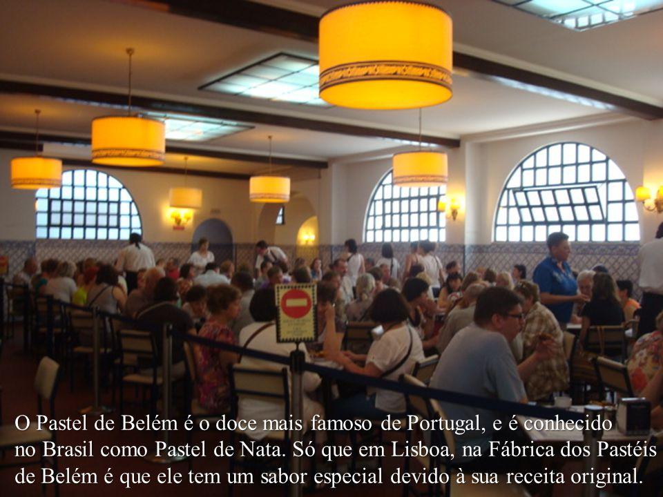 O Pastel de Belém é o doce mais famoso de Portugal, e é conhecido no Brasil como Pastel de Nata.