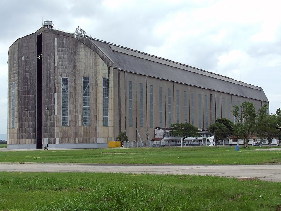 Em 1.933, os alemães vieram ao Brasil, para projetar um hangar para atender os dirigíveis alemães no Rio de Janeiro.