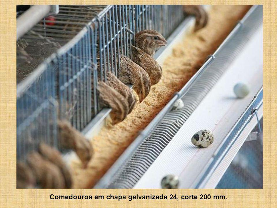 Comedouros em chapa galvanizada 24, corte 200 mm.