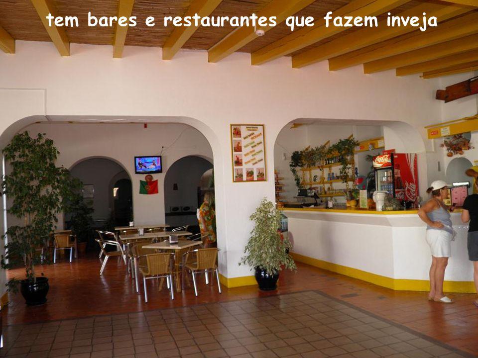 tem bares e restaurantes que fazem inveja