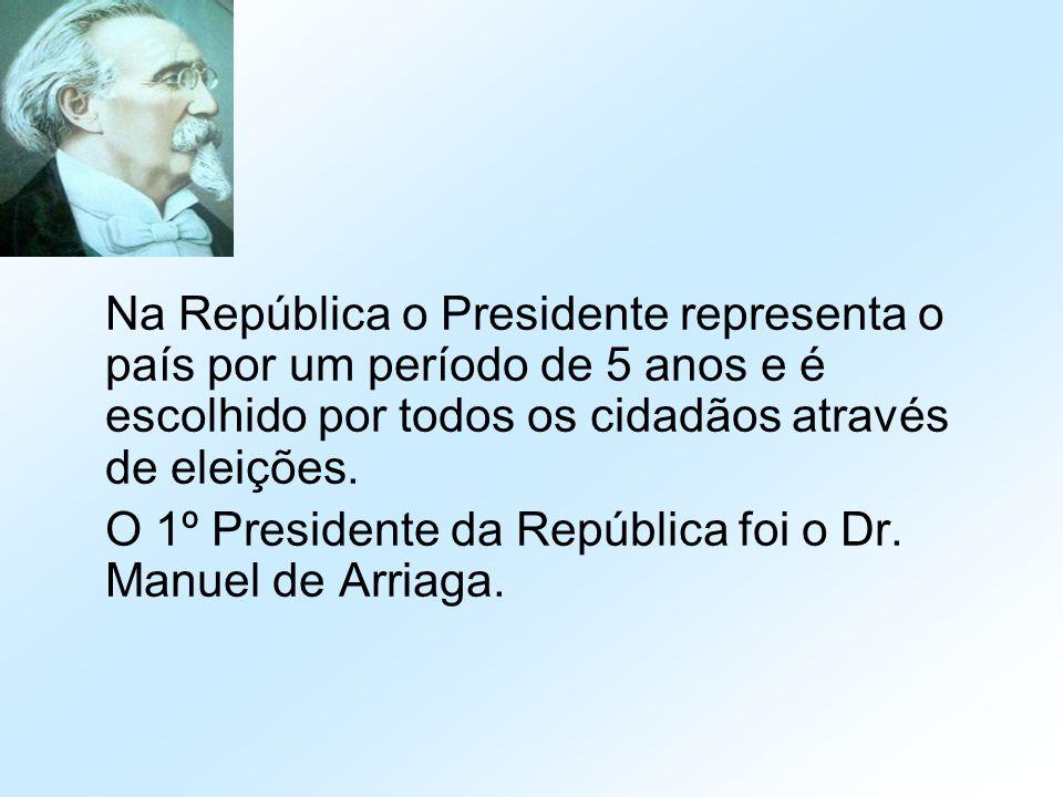 Na República o Presidente representa o país por um período de 5 anos e é escolhido por todos os cidadãos através de eleições.