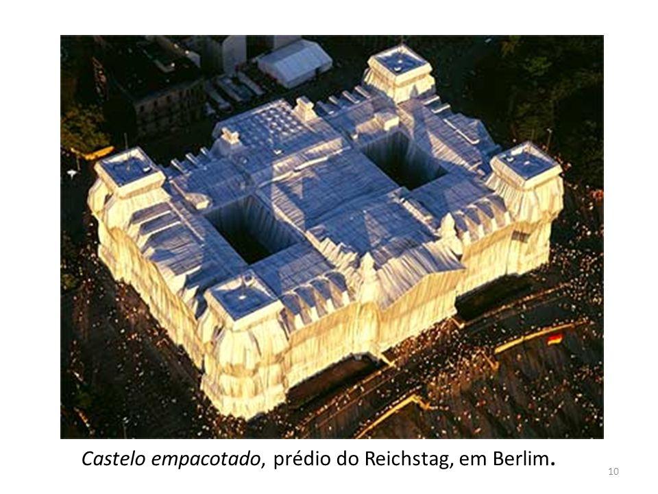 Castelo empacotado, prédio do Reichstag, em Berlim.