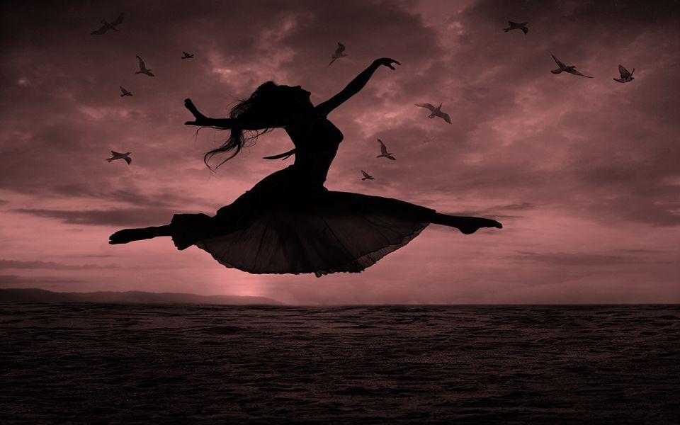 Procure fazer o que lhe faz bem ao coração, ouça o som dos pássaros ao seu redor e sinta o quanto entoam cânticos felizes que nos traz a paz e a sabedoria da natureza.