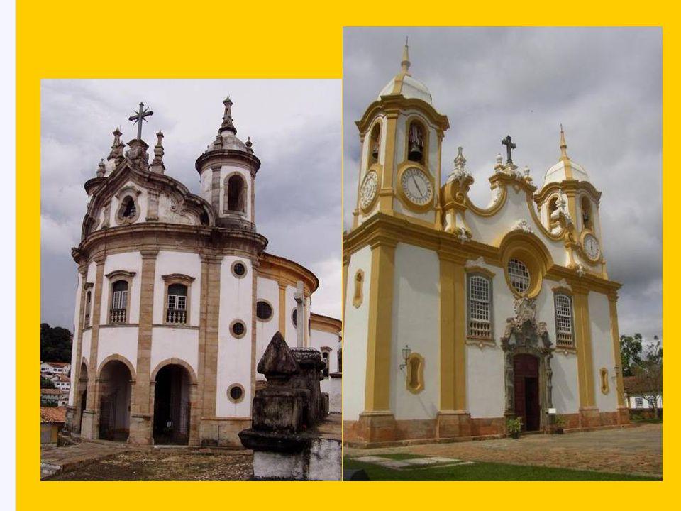 igreja de São Francisco de Assis, clássico da arte Barroca: mais igrejas da cidade: