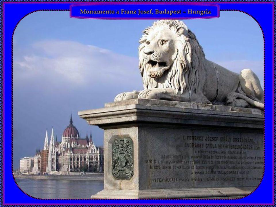 Monumento a Franz Josef, Budapest – Hungria