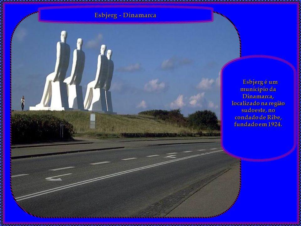 Esbjerg - Dinamarca Esbjerg é um município da Dinamarca, localizado na região sudoeste, no condado de Ribe, fundado em 1924.
