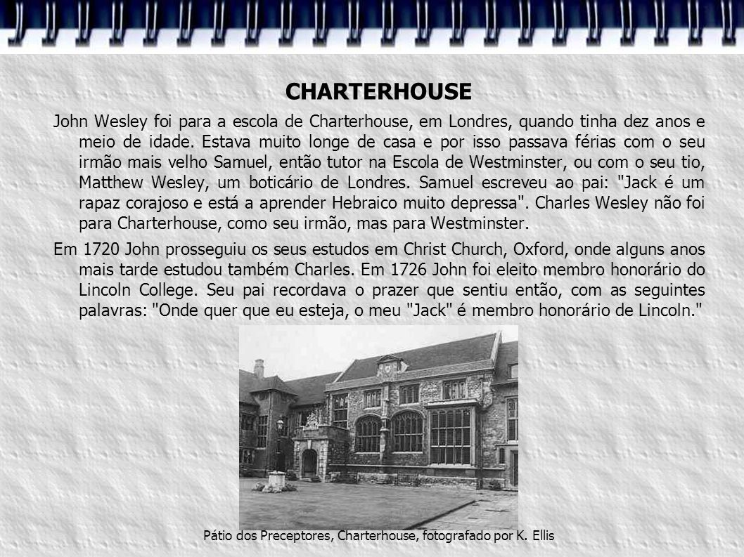 Pátio dos Preceptores, Charterhouse, fotografado por K. Ellis