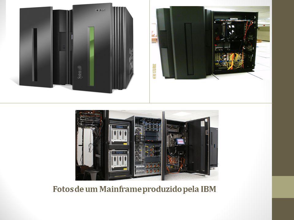 Fotos de um Mainframe produzido pela IBM