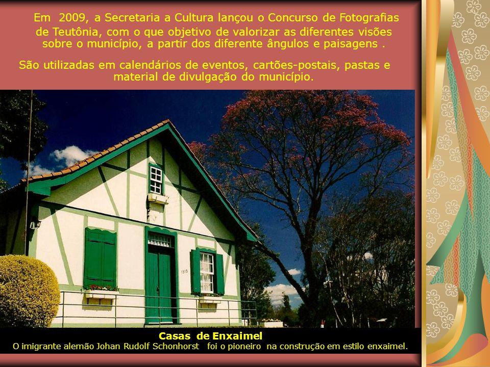 Em 2009, a Secretaria a Cultura lançou o Concurso de Fotografias de Teutônia, com o que objetivo de valorizar as diferentes visões sobre o município, a partir dos diferente ângulos e paisagens .