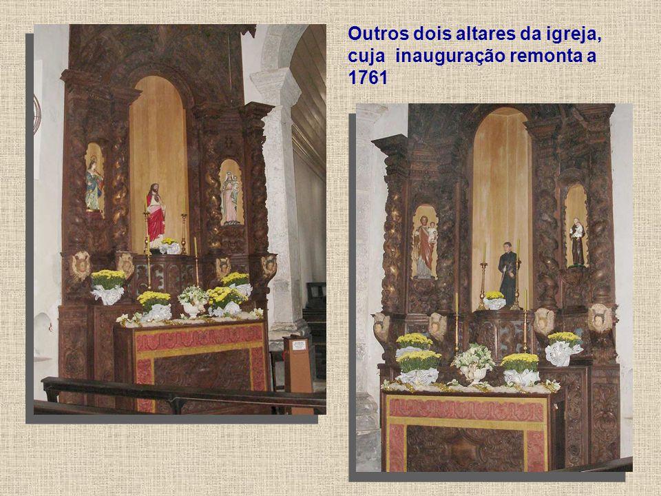 Outros dois altares da igreja, cuja inauguração remonta a 1761