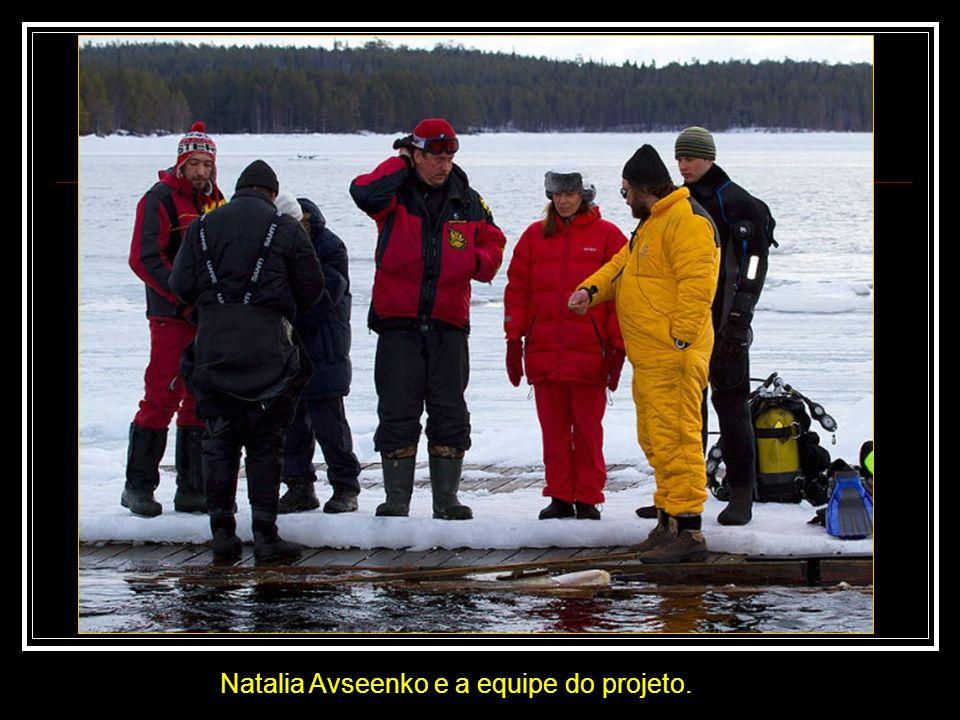 Natalia Avseenko e a equipe do projeto.