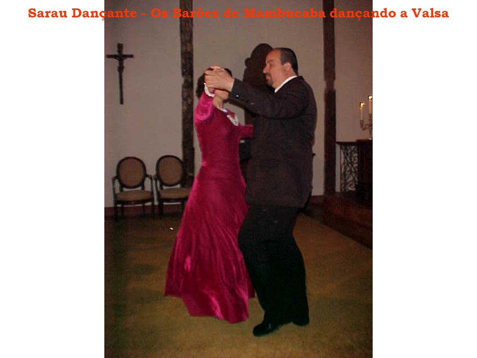 Sarau Dançante - Os Barões de Mambucaba dançando a Valsa
