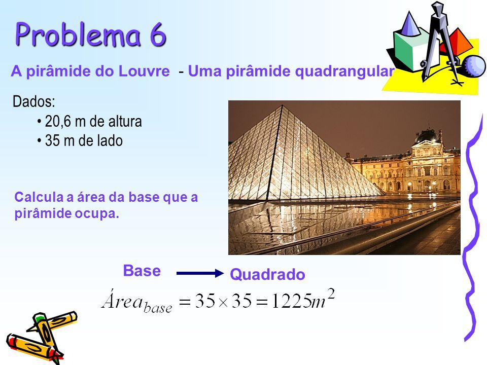 A pirâmide do Louvre - Uma pirâmide quadrangular