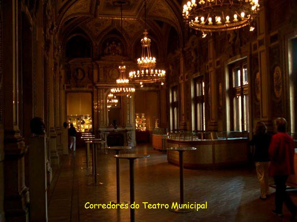 Corredores do Teatro Municipal