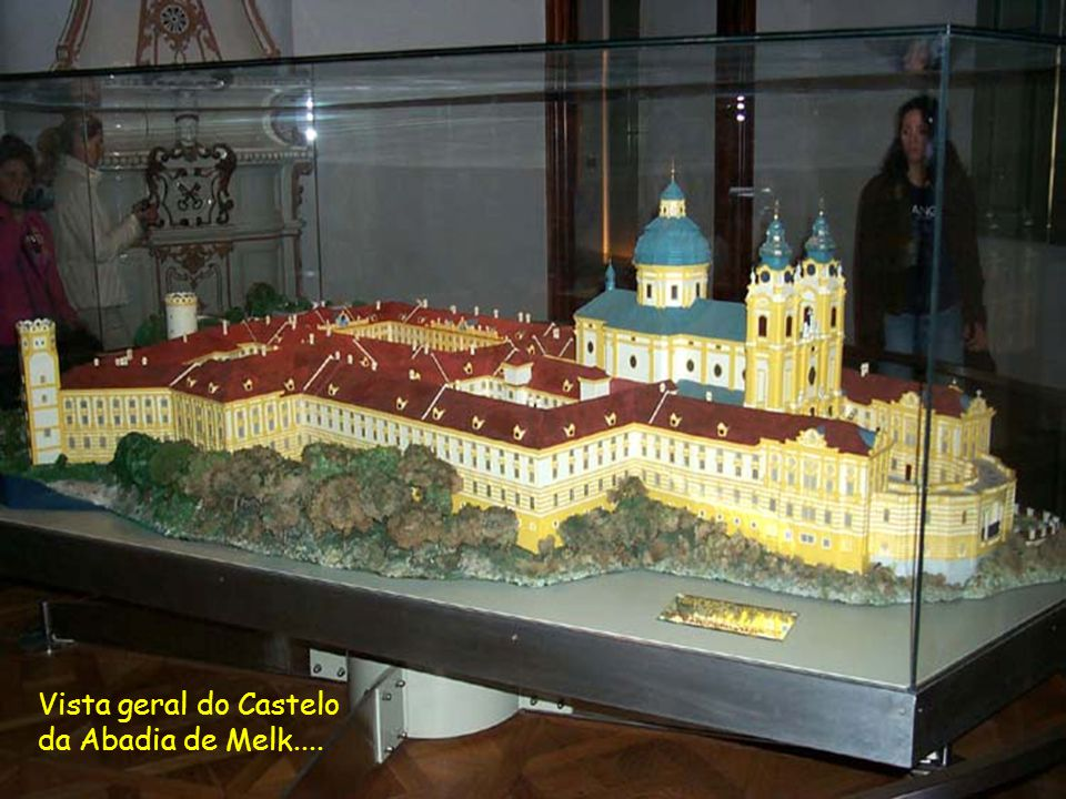 Vista geral do Castelo da Abadia de Melk....
