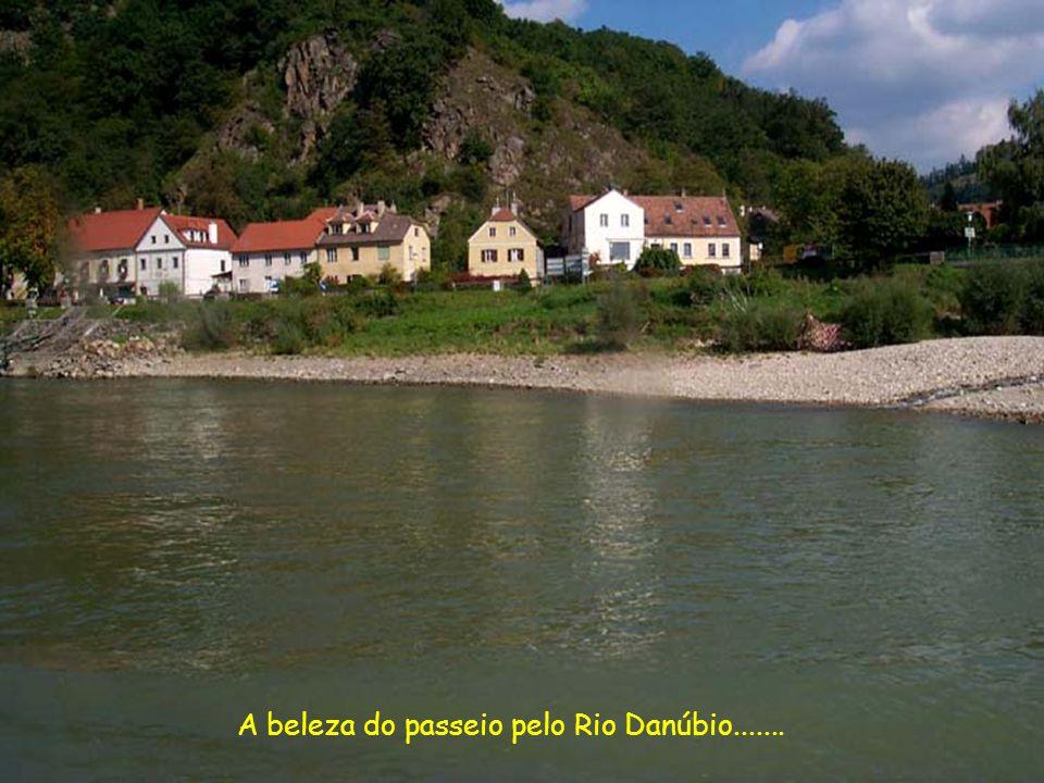 A beleza do passeio pelo Rio Danúbio.......