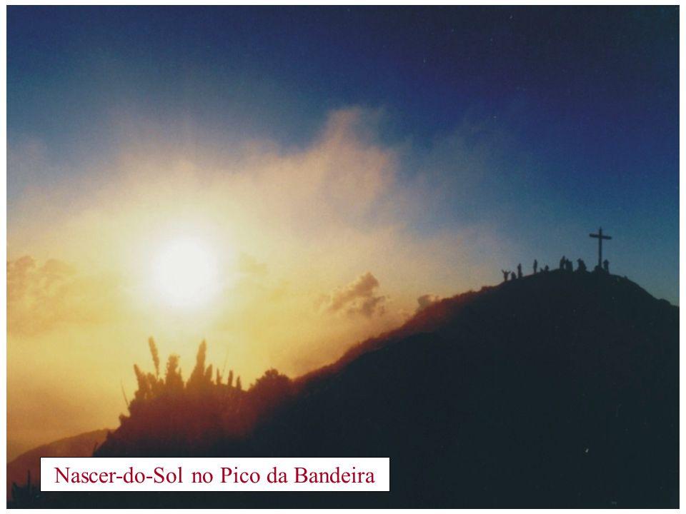 Nascer-do-Sol no Pico da Bandeira