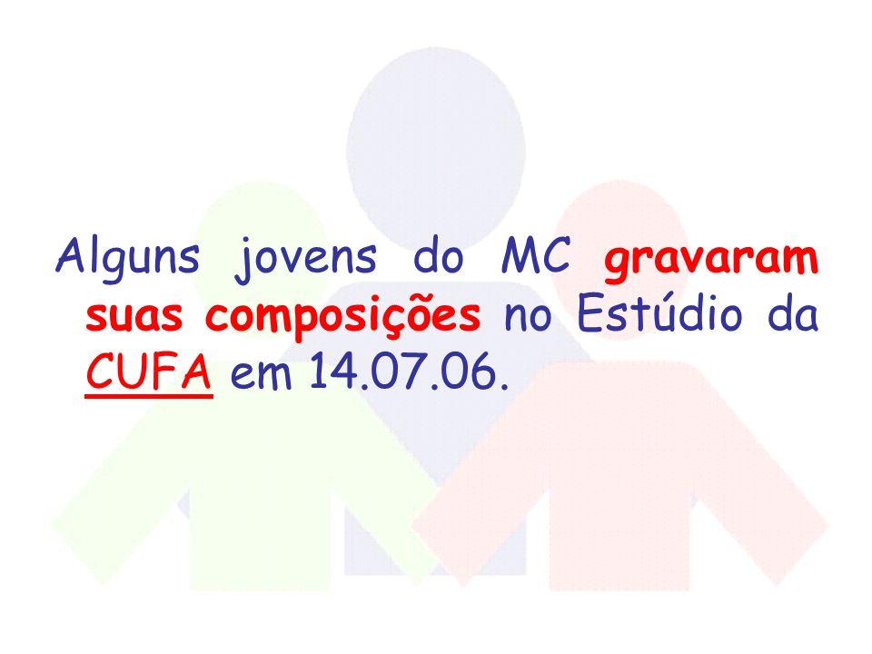 Alguns jovens do MC gravaram suas composições no Estúdio da CUFA em 14