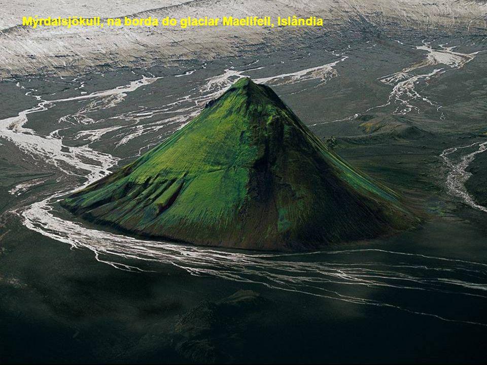 Mýrdalsjökull, na borda do glaciar Maelifell, Islândia