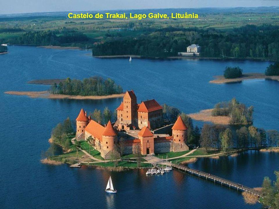Castelo de Trakai, Lago Galve, Lituânia