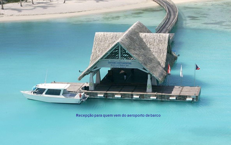 Recepção para quem vem do aeroporto de barco