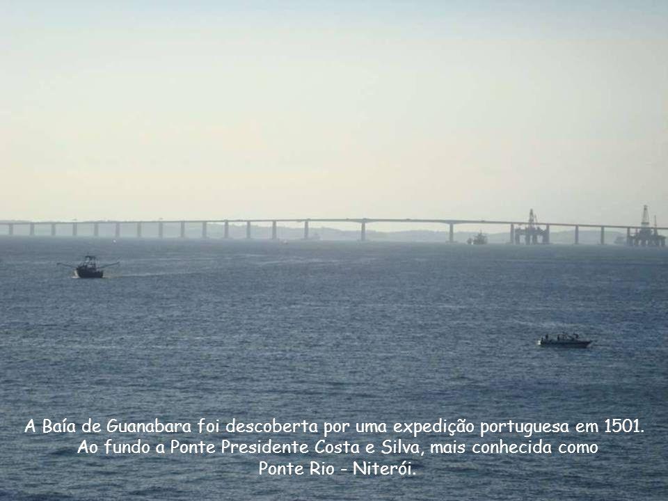 Ao fundo a Ponte Presidente Costa e Silva, mais conhecida como