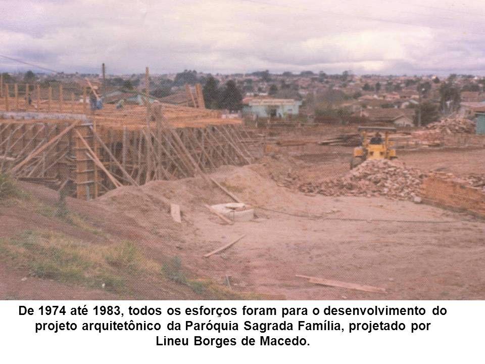 De 1974 até 1983, todos os esforços foram para o desenvolvimento do projeto arquitetônico da Paróquia Sagrada Família, projetado por Lineu Borges de Macedo.