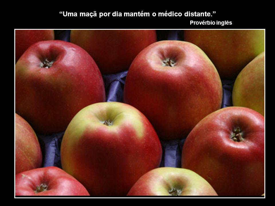 Uma maçã por dia mantém o médico distante.