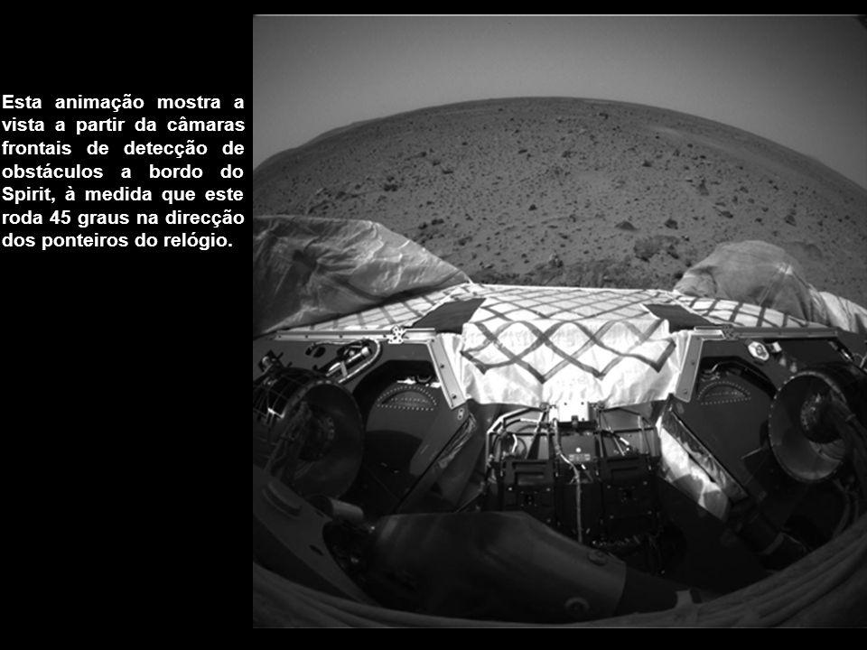 Esta animação mostra a vista a partir da câmaras frontais de detecção de obstáculos a bordo do Spirit, à medida que este roda 45 graus na direcção dos ponteiros do relógio.