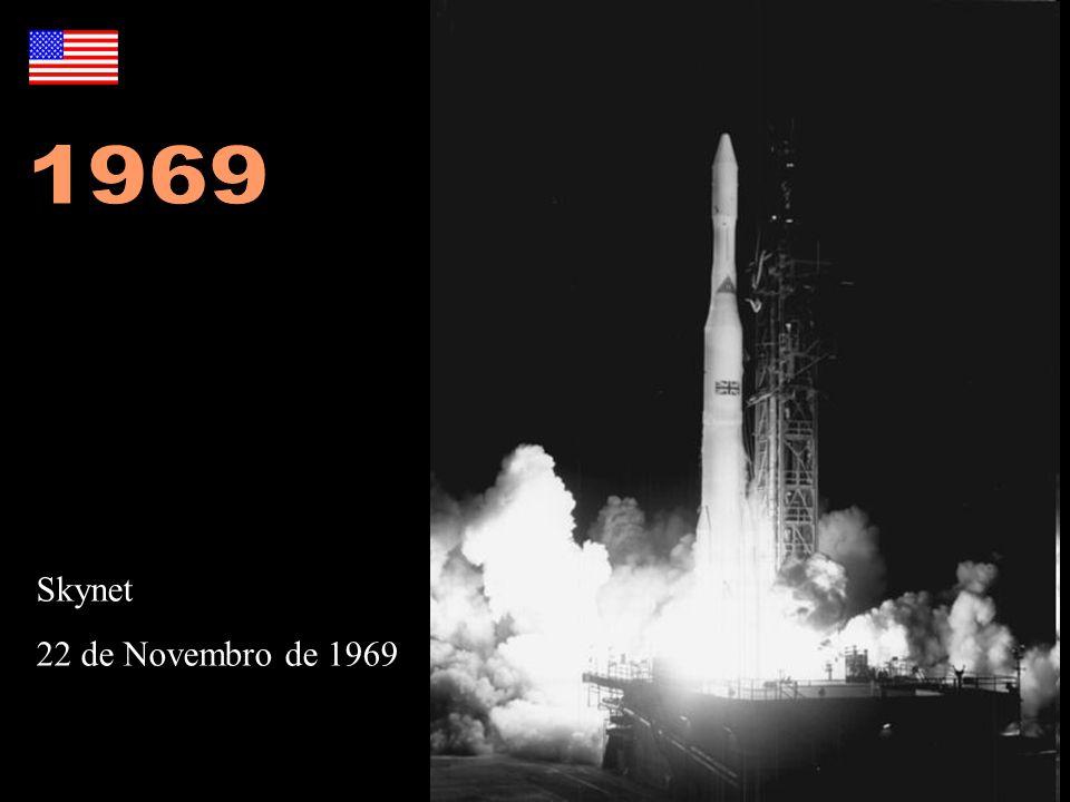 1969 Foto: http://en.wikipedia.org/wiki/File:Delta-M_with_Skynet-1A.jpg. http://en.wikipedia.org/wiki/Skynet_(satellites)