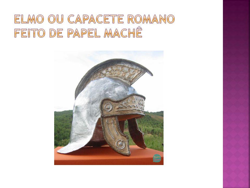 elmo ou capacete romano feito de papel machê