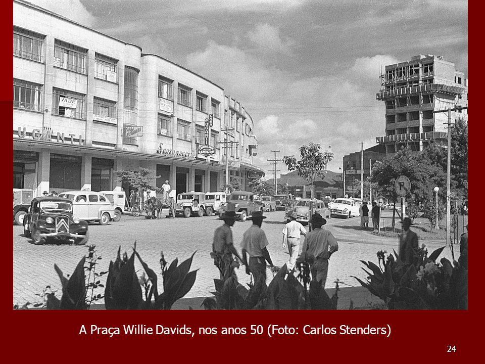 A Praça Willie Davids, nos anos 50 (Foto: Carlos Stenders)