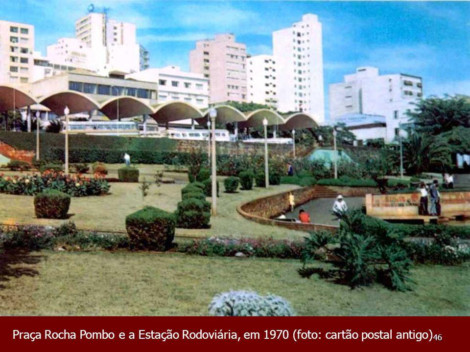 Praça Rocha Pombo e a Estação Rodoviária, em 1970 (foto: cartão postal antigo)