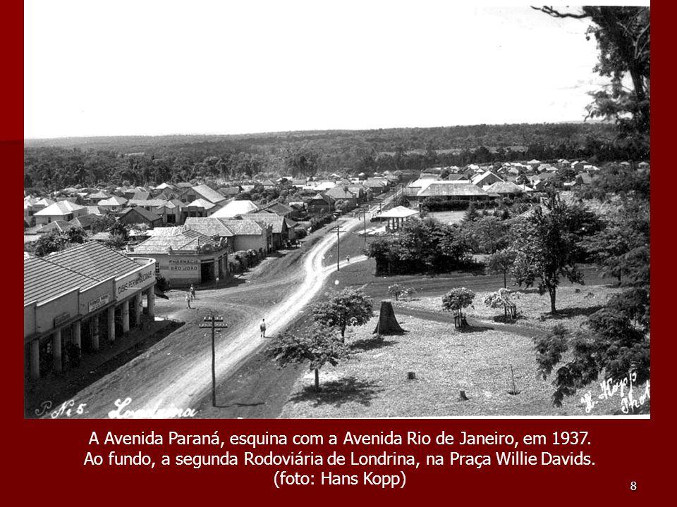A Avenida Paraná, esquina com a Avenida Rio de Janeiro, em 1937.