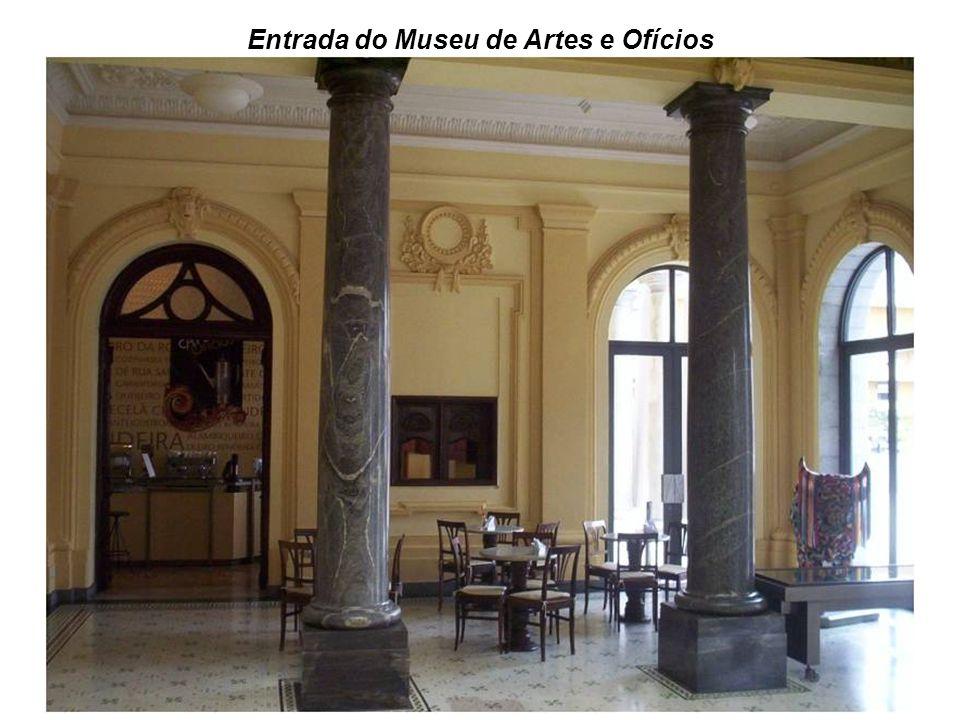Entrada do Museu de Artes e Ofícios