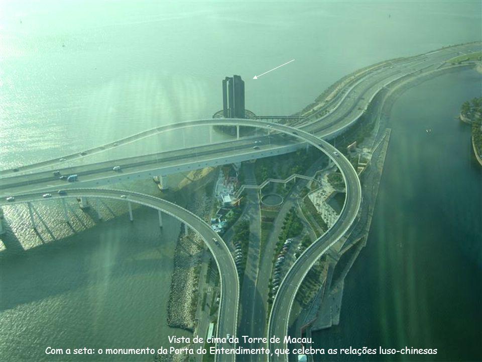 Vista de cima da Torre de Macau.