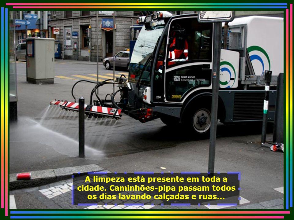 IMG_3314 - SUIÇA - ZURICH - LAVAGEM DE CALÇADAS-700
