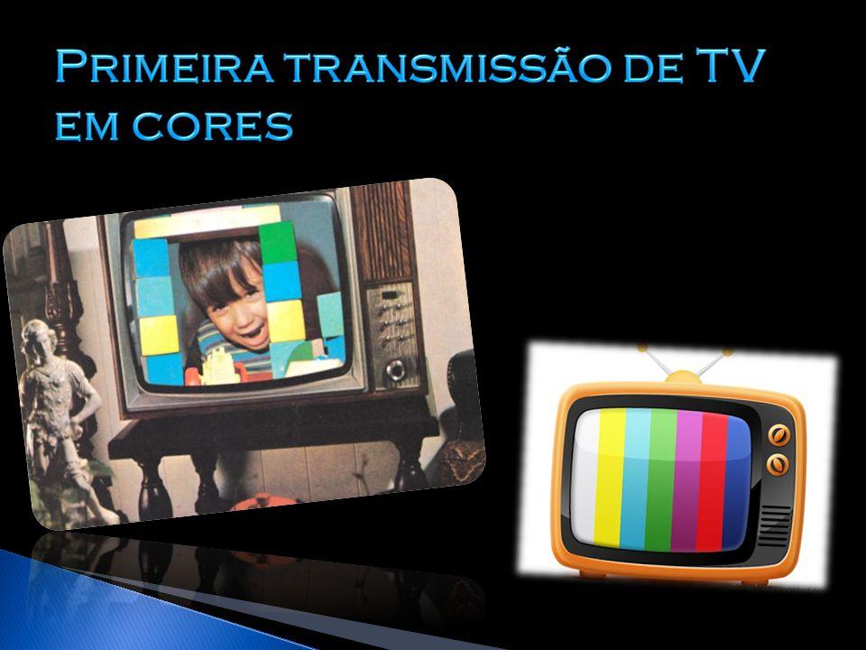 Primeira transmissão de TV em cores