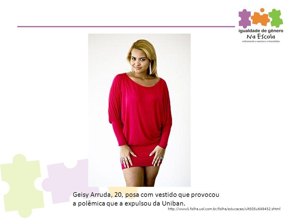 Geisy Arruda, 20, posa com vestido que provocou a polêmica que a expulsou da Uniban.