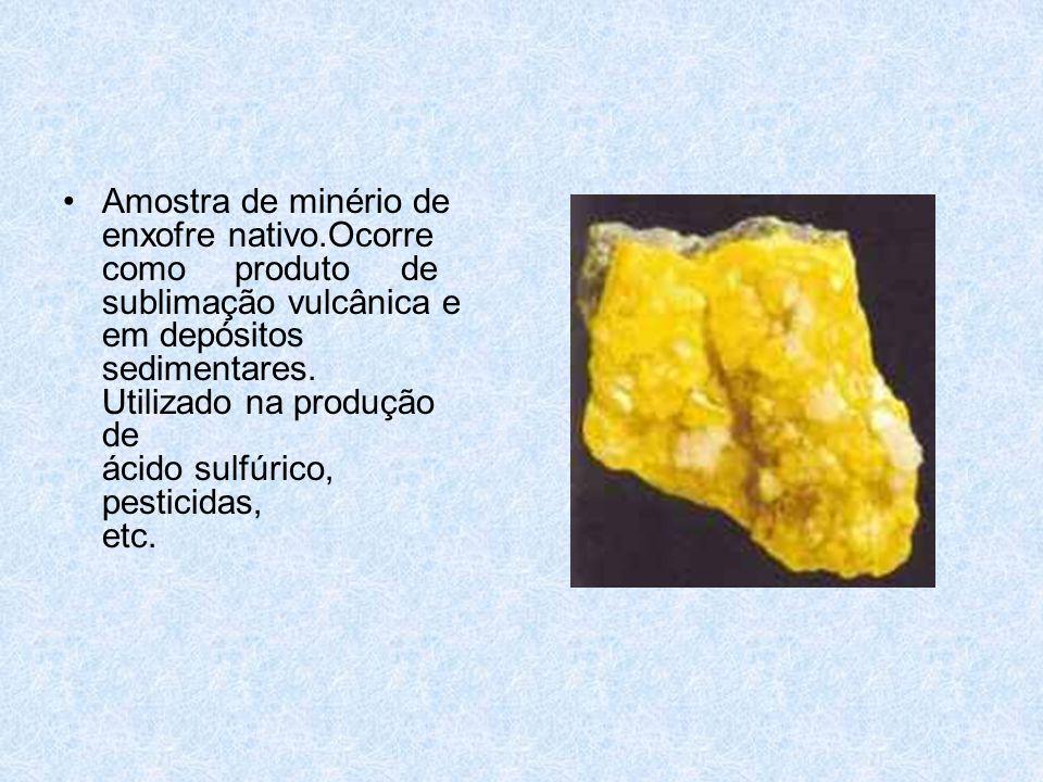 Amostra de minério de enxofre nativo