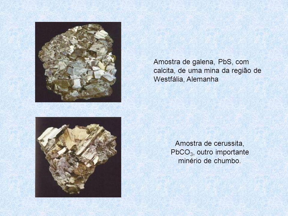 Amostra de cerussita, PbCO3, outro importante minério de chumbo.