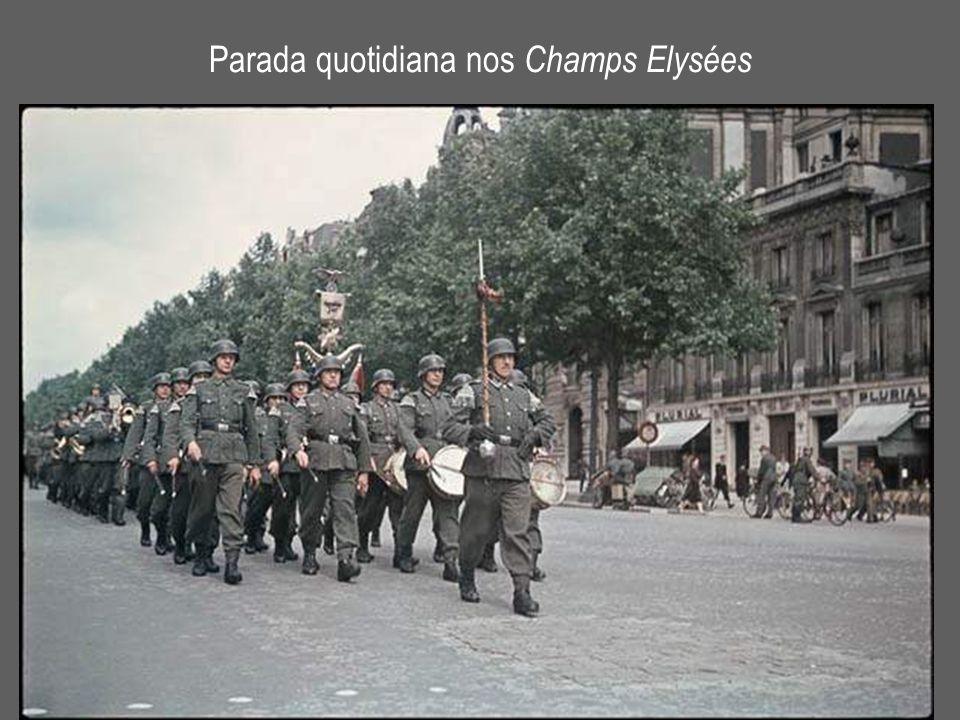 Parada quotidiana nos Champs Elysées